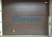 секционные ворота ral8017